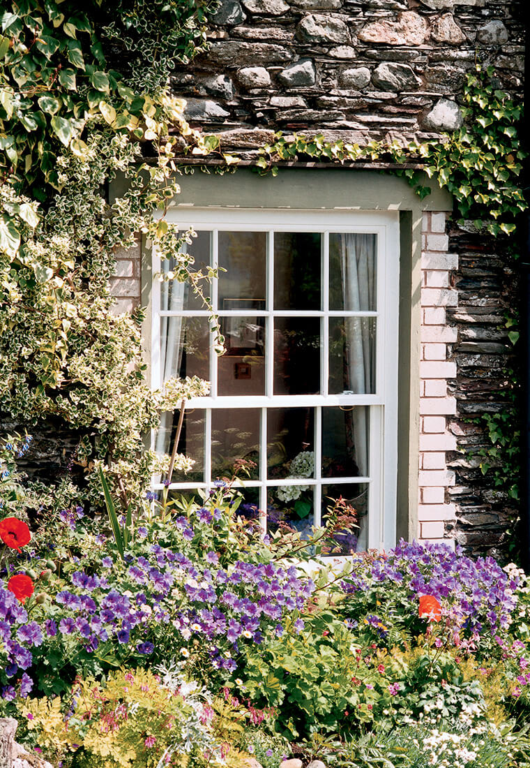 Vertical Sliding Windows | Leamore Windows