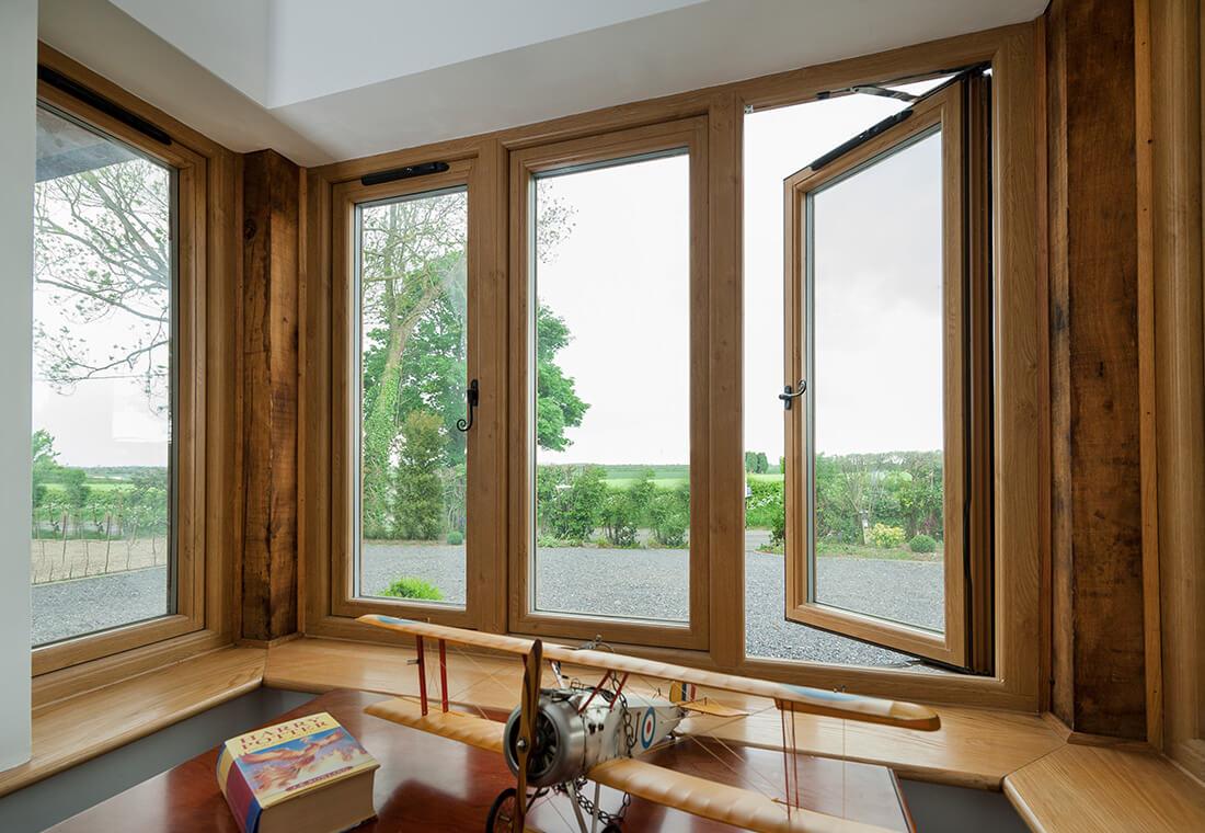 какое деревянное окно выбрать